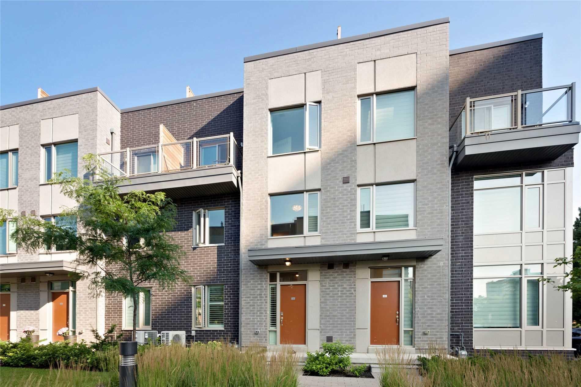 24 - 18 Applewood Lane, Toronto, M9C 0C1