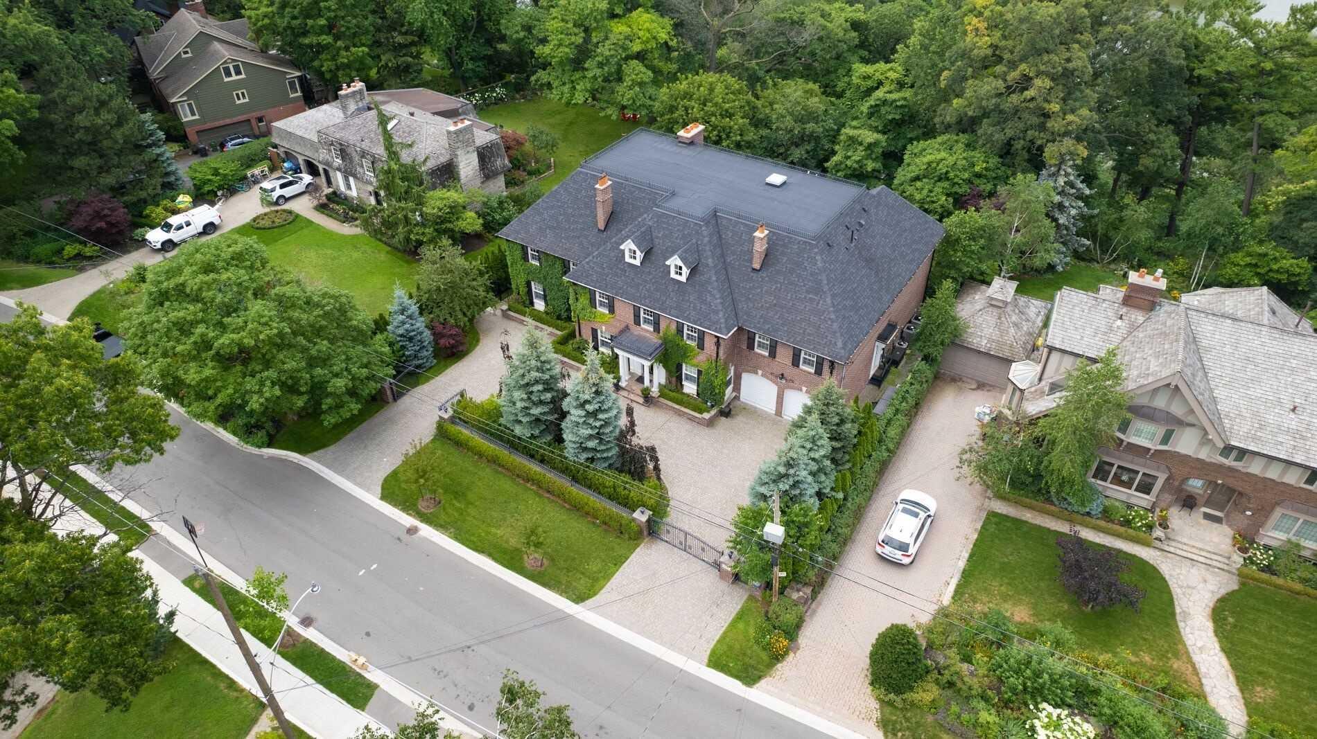 246 Riverside Dr, Toronto, M6S4A9