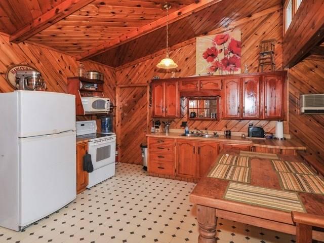 1080 Big Hawk Lake Rd, Algonquin Highlands X4569076