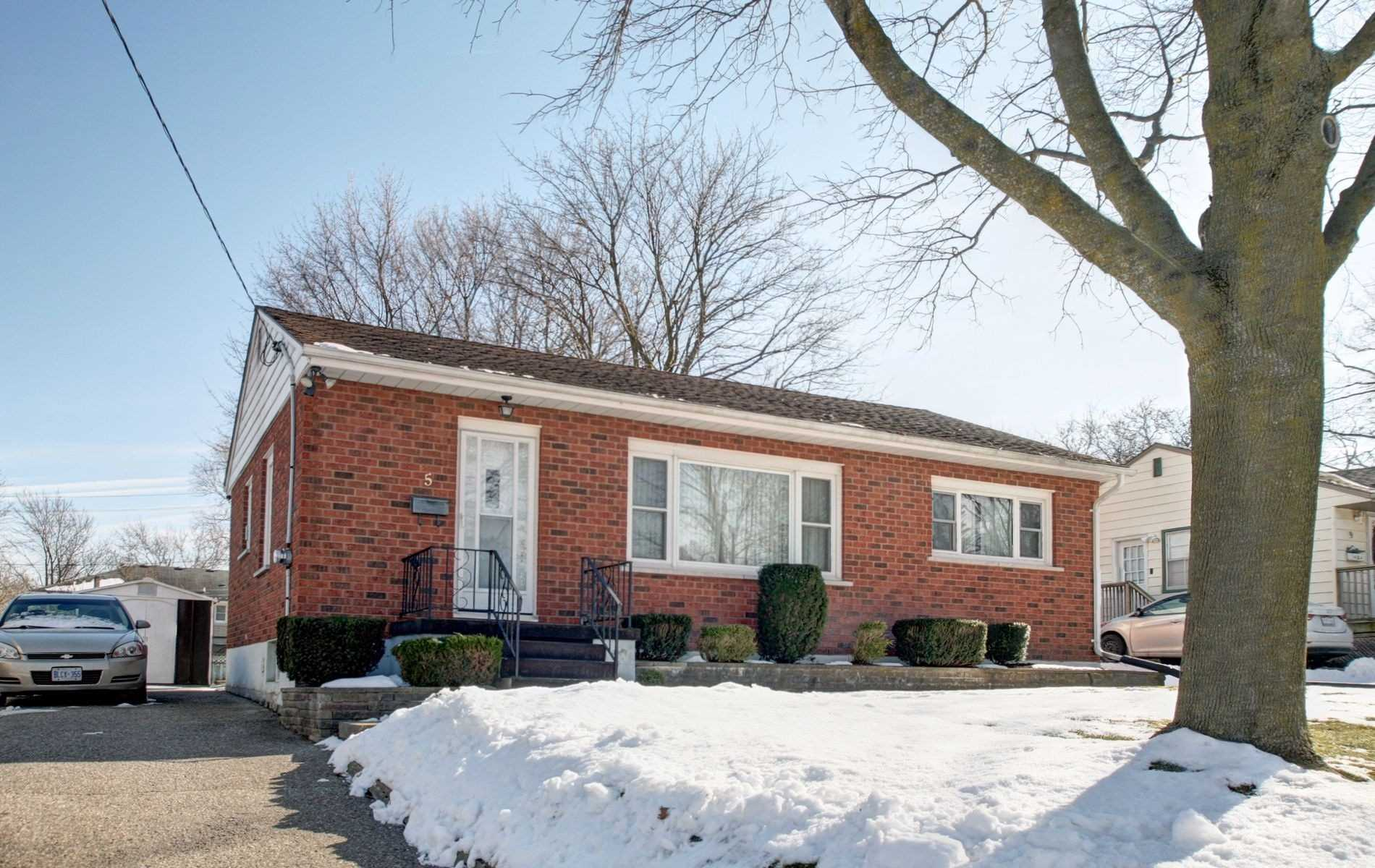 5 Earlscourt Cres, Woodstock X4690141